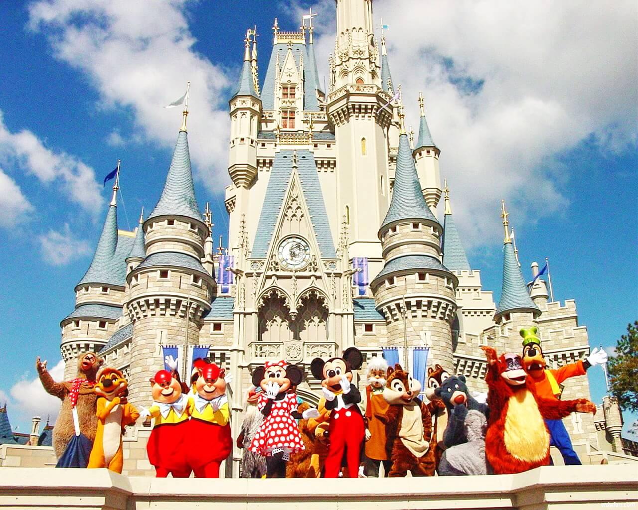 Діснейленд - мрія всіх дітей та дорослих потрапити в казку